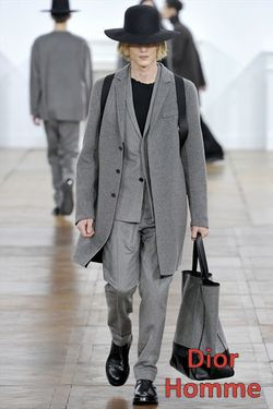 Gray-Dior-Homme_2