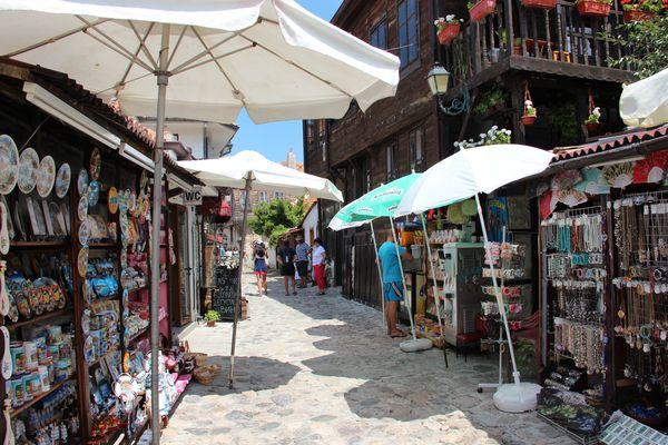 Сувенирные прилавки в Болгарии