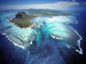 Podvodnij-vodopad
